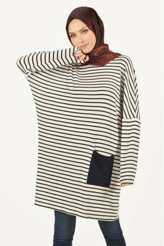 Striped Pocket Detailed Knit Tunic