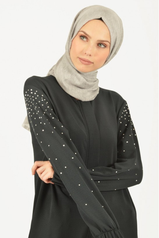 Stoned Detailed Zippered Abaya