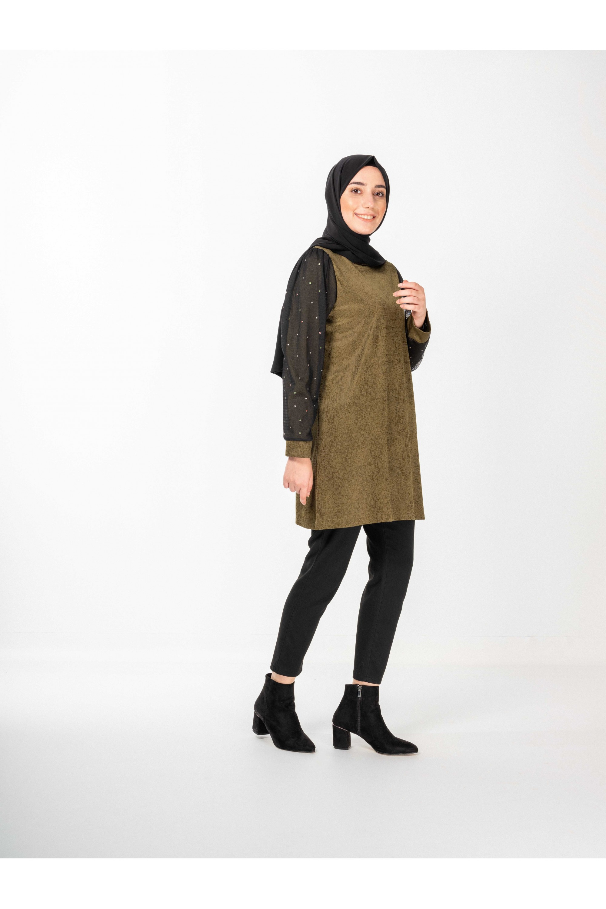 Stone Detailed Tunic With Tulle