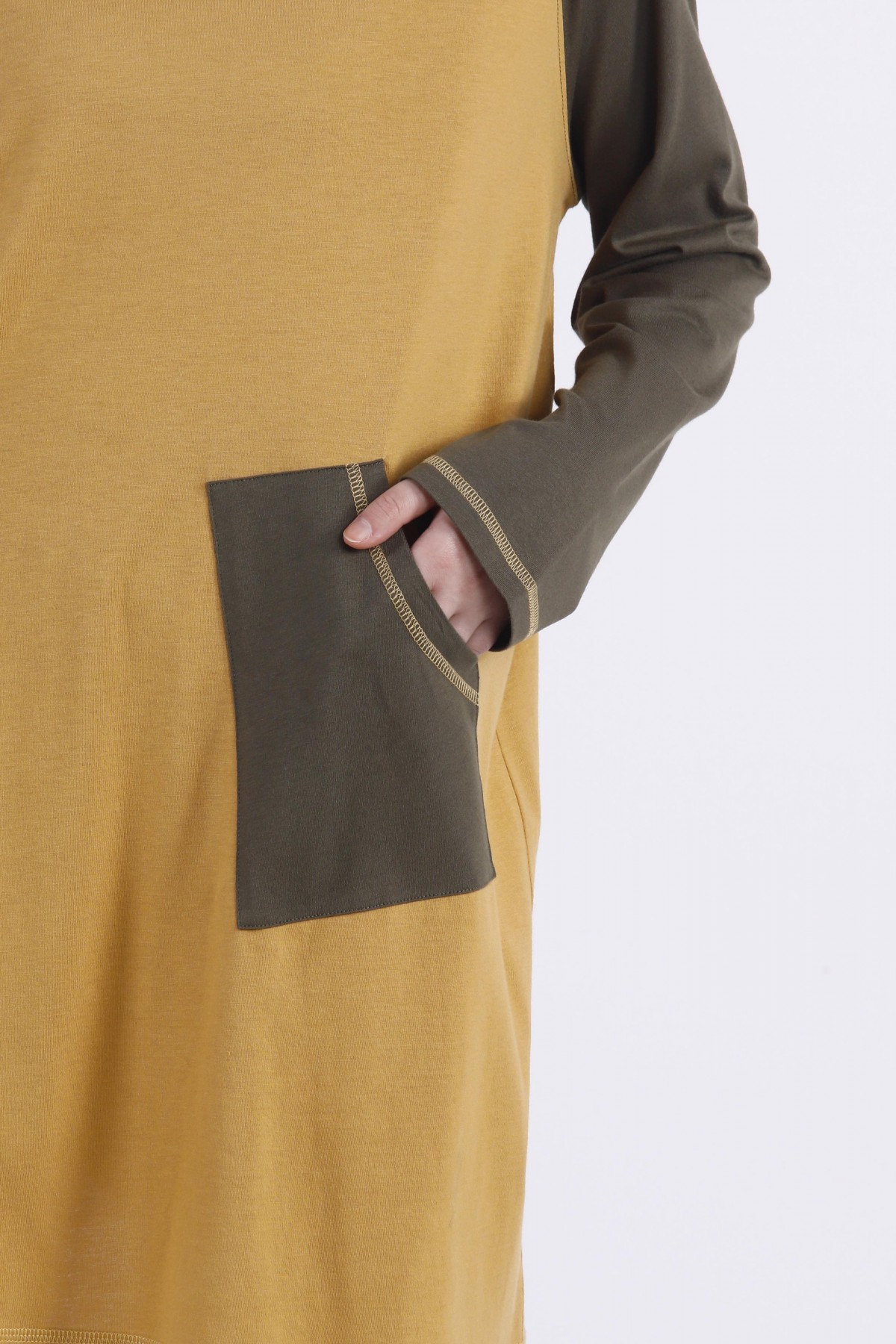 Oversized tunic with pockets